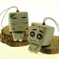 陶瓷风铃批发景德镇手工创意瓷器车饰挂件张小盒纸盒人JXF152