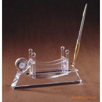 供应水晶办公用品,笔筒,台历,名片盒