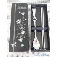 低价不锈钢餐具心形勺筷纸盒两件套 不锈钢餐具套装环保 直销