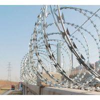 刀片刺绳厂家热镀锌刀片刺绳刺丝滚笼监狱隔离防护网