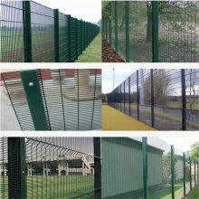 旺来双边丝护栏网生产厂家 铁丝网围栏 道闸栅栏