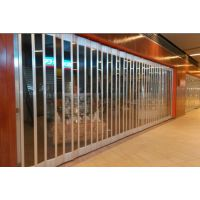 供应萨都奇厂家专业生产PVC手动水晶折叠门,水晶折叠门价格优惠