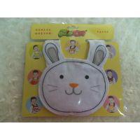 供应广东动漫宝贝卡通婴儿口水巾 围嘴 白猫 独立包装 厂家批发