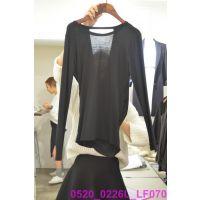 韩国女装代购 东大门进口批发 2015春款V领纯色不对称气质打底衫