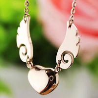 配饰市场爱心天使之翼翅膀吊坠项链  韩版钛钢玫瑰金项链女短款