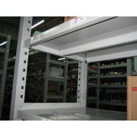 中型仓储货架是工业货架众多的品牌和规格的其中一种,一般分为标准型和非标准型两种:1. 标准型:外形