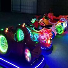 蜗牛碰碰车--适合一岁宝宝玩的风火轮碰碰车 广西玻璃钢飞碟车多少钱一台心悦热线13203723220
