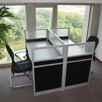 沈阳带玻璃办公桌图片 沈阳办公卡位怎么卖 办公桌尺寸