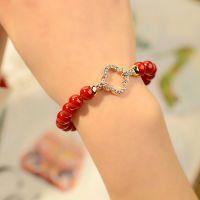 简单爱新年红珠子手链 四叶草镂空闪钻配饰 仿红珊瑚珍珠手链批发