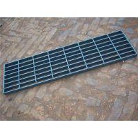 钢格板钢格栅、机器钢格板焊接、唯佳金属网钢格板生产厂