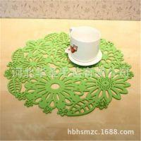 供应春节节日家居必备毛毡杯子垫毛毡餐具垫毛毡桌布镂空烫印logo