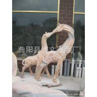 曲阳博文石雕 厂家供应天然晚霞红动物雕刻,石雕长颈鹿石头对鹿