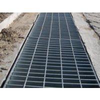 供应乌鲁木齐g253/30/100插接钢格板,东营镀锌钢格栅板