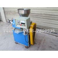 220V单相电小型螺旋榨油机 现榨现卖移动式榨油机
