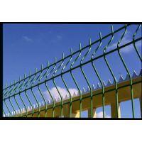 大乐丝网厂家生产市政园林用防护隔离三角折弯护栏网