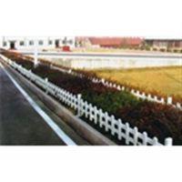 草坪护栏批发、山东塑钢护栏(图)、塑钢草坪护栏厂家