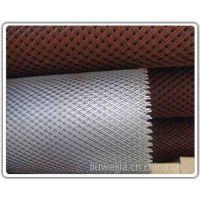 供应中型钢板网/防护网/圈地铁丝网供应商