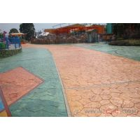 游景区的路面好看的纹理用什么做的?用亚石彩色混凝土压花地坪路面专用