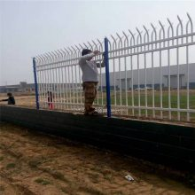 油田护栏网厂家 市政围栏网 钢丝护栏网