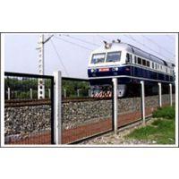 供应铁路护栏网、公路护栏网、小区护栏网、隔离栅、双边丝护栏网、卷圈护栏网