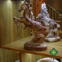 供应家居装饰 玉马树脂工艺品 桌面工艺品摆件