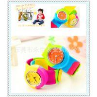 义乌手表市场供应环保硅胶拍拍手表 时尚学生手表 休闲工艺卡通表