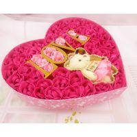 销售供应 50朵LOVE玫瑰加小熊香皂花 心形礼品香皂花批发