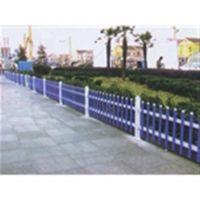 草坪护栏优点_草坪护栏批发_山东塑钢护栏