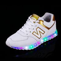 专业定制生产LED蓝牙闪灯发光鞋夜光发光球鞋与板鞋