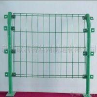 新疆厂家直销优质PVC包塑双边丝护栏网、可定制