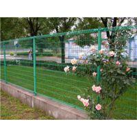德明护栏(在线咨询)、隔离栅、隔离栅生产过程