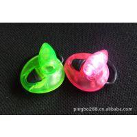 厂家大量供应优质环保耳灯,耳夹灯,书灯,夹子灯,LED夹子灯