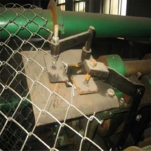 勾花隔离栅 护栏网价格 学校护栏网球场