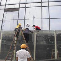 广州专业幕墙公司玻璃补漏安装佛山电梯弯玻更换安装