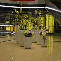 白色时尚造型花瓶 玻璃钢花盆 商业中心玻璃钢花盆组合