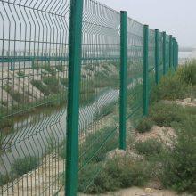 度假村外围隔离栅 厂区桃形立柱 广州护栏网规格 钢材