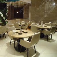 海德利厂家直销实木餐桌椅图片饭店火锅桌专业定做广东实木餐桌餐椅餐桌椅子批发代理