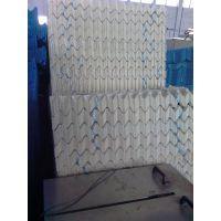 供应甘肃白色原生料填料,白色S波冷却塔填料卖多少钱?华强15633658670