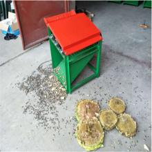 向日葵脱粒机规格 用润丰向日葵脱粒机是不会错的 效果好的纯粹