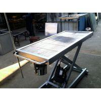 不锈钢V型恒温手术台,自动恒温功能,使用安全,锁定牢固,操作简便。