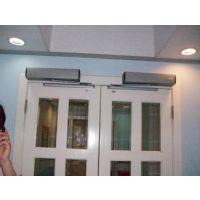 广东冷雨自动门提供防火门电动闭门器,室内上置式开门机机组