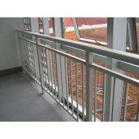 深圳护栏厂家供应 广州开发地区 项目 钢化玻璃 阳台栏杆 围墙栏杆AAA