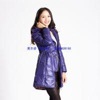 时尚女式外套2013冬季必备 246毛领收腰显瘦长袖带帽女式羽绒服