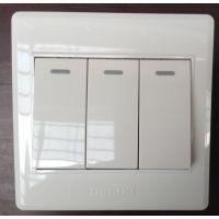 【德力西正品】墙壁开关插座面板CD220系列 三开双控荧光