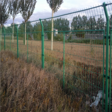 万泰框架护栏 开发区边界围网 框架围网生产厂家