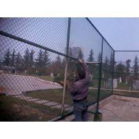 湖南塑胶球场围网安装,勾花栏体育围网施工