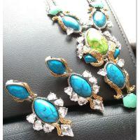 欧美大牌ai*xis bi*tar 铜件镶嵌锆石 绿松石澳洲玉项链耳夹套装