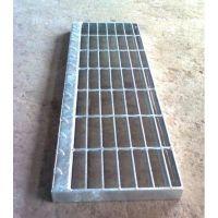 钢结构防腐镀锌防滑齿形楼梯钢梯格栅踏步板