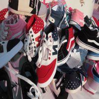 更新精品女鞋品牌杂款女鞋女式帆布鞋地摊杂鞋特价流行杂款