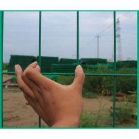 供应武当山林场防盗双边丝围栏网咸宁鱼塘隔人防止性强弯头防护栏厂家